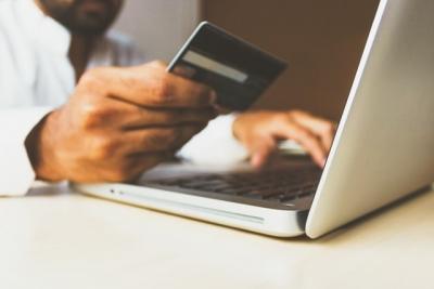 Deciding Between Online Casino Deposit Methods